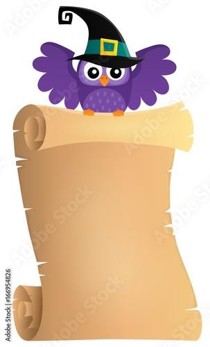 Tuinposter Voor kinderen Halloween owl holding parchment theme 1