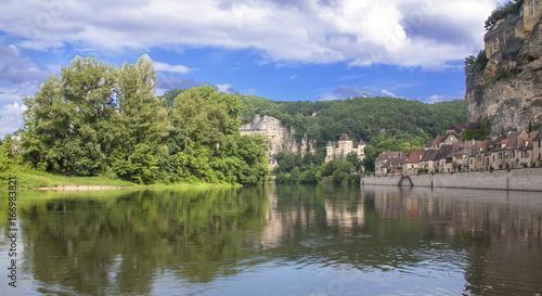 Foto op Canvas Pistache La Roque Gageac vue depuis la Dordogne. Dordogne. Nouvelle Aquitaine
