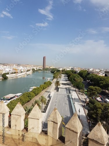 Siviglia Guadalquivir visto dalla torre del oro