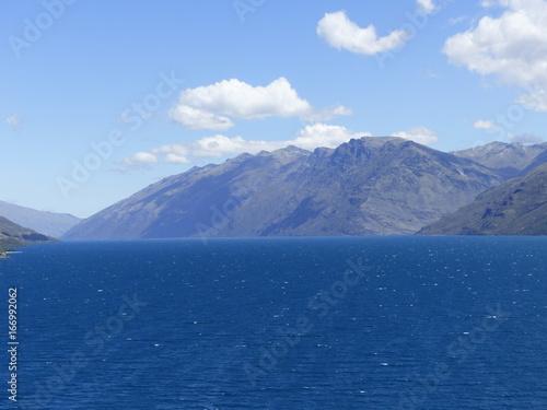 Foto op Plexiglas Nachtblauw Berge