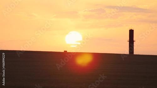 Foto op Plexiglas Bruin Sunset in the field
