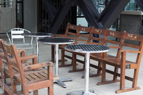 Papiers peints Table preparee オシャレなバー、レストラン、カフェ、パブ、テーブル、チェアー 開放的な アウトドア