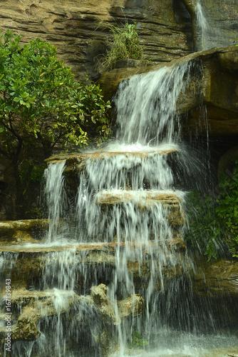 Wasserfälle in einem Nationalpar in Thailand - 167139843