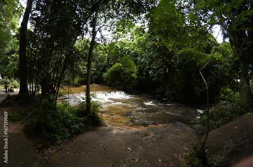 Wasserfälle in einem Nationalpar in Thailand - 167139869