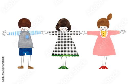 仲良く手をつなぐ友だち Friends holding hands together - 167211078