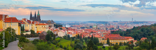 Tuinposter Praag panoramic view of Prague with Prague Castle
