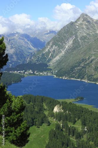 In de dag Bergen Silsersee mit Maloja