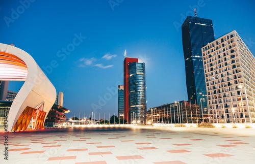 Poster Wenen Skyscrapers and modern architecture in Vienna Austria