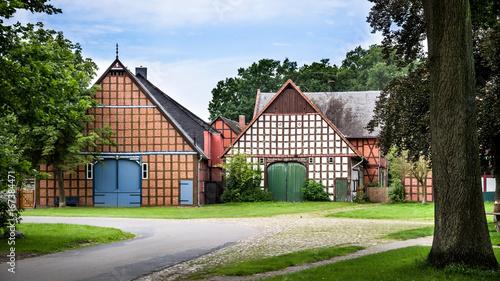 Bauernhäuser im Rundling Satemin im Wendland
