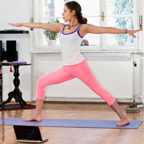 Sticker Yoga Warrior 2 Position