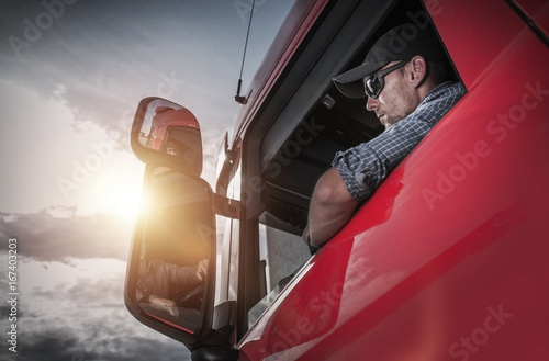 Spoed canvasdoek 2cm dik Wanddecoratie met eigen foto Semi Truck Driver