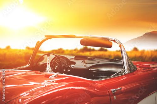 samochód i czas zachodu słońca