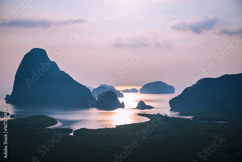 Deurstickers Lichtroze archipelago Andaman sea Morning atmosphere Sun rises. Asia Thailand