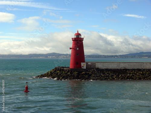 Leuchtturm am Hafen von Dublin Poster