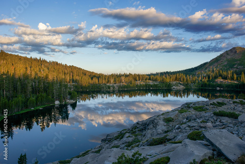 Tuinposter Ochtendgloren Sunset in the Sierra Nevadas back country