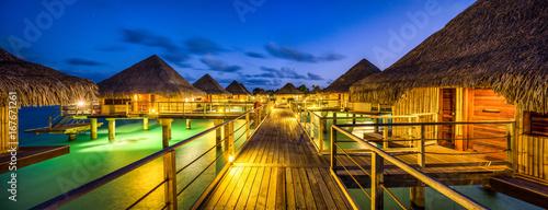 Luxusurlaub in einem Overwater Bungalow in der Südsee