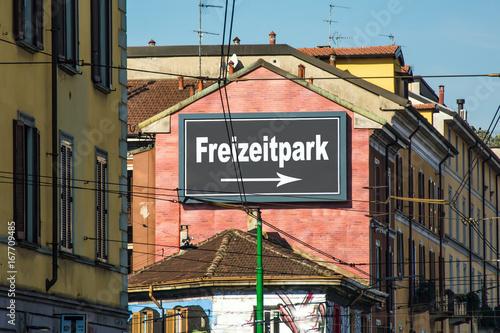 Tuinposter Amusementspark Schild 215 - Freizeitpark