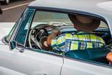 Auto mit Fahrer