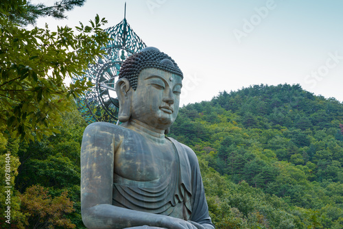 Buddha statue at Sinheungsa Temple in Seoraksan National Park, South korea