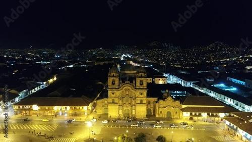 Compañia de jesus noche cusco - plaza de armas - cusco