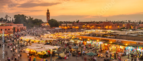 Papiers peints Maroc Jamaa el Fna market square, Marrakesh, Morocco, north Africa. Jemaa el-Fnaa, Djema el-Fna or Djemaa el-Fnaa is a famous square and market place in Marrakesh's medina quarter.