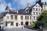 Rouen. Place de la pucelle. Hôtel de Bourgtheroulde et maison à colombages - 168054817
