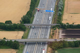 Straße Autobahn Verkehr Transport Feld Felder Luftbild