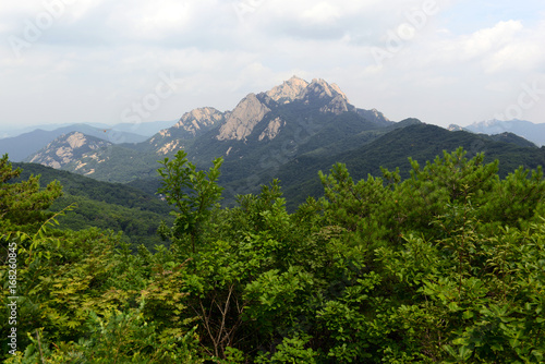 Foto op Canvas Seoel Baegundae peak of Bukhansan Mountain in Bukhansan National Park, is a popular peak to climb, though is steep and exposed with chains and cables to help climbers, Seoul Korea