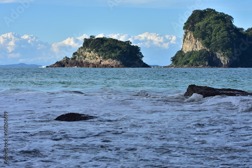 Foto op Canvas Cathedral Cove Small islands off the coast of Coromandel