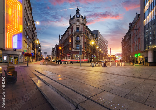 Fototapety, obrazy : Central square of Katowice in dramatic sunset.