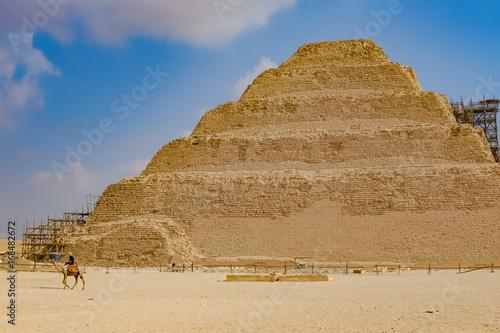 エジプト ジェセル王の階段ピラ...