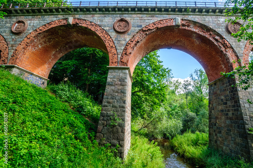 Papiers peints Vert Bricks railway bridge in Bytow (Poland
