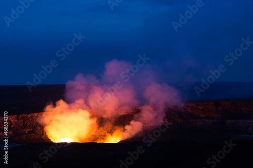 Fotobehang Natuur Park Kilauea Caldera lava lake in Volcano National Park Hawaii Big Island