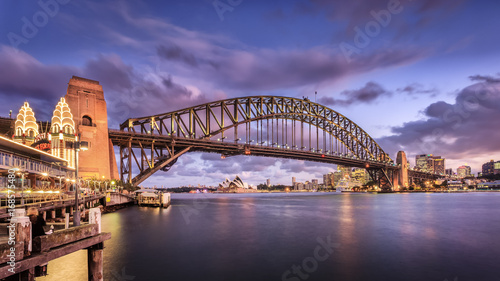 Aluminium Sydney The Iconic Harbour Bridge at twilight from Circular Quay. Sydney Harbour Bridge is considered as the major landmark of Sydney and tourists attraction.