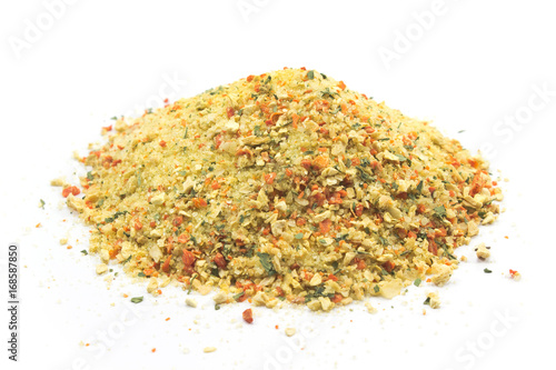 Foto Murales Grounded spice ingredient of dry mix of vegetables isolated on white