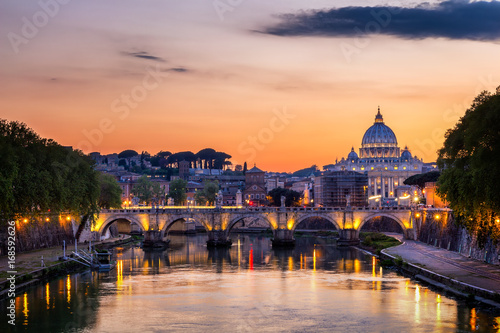 Foto op Aluminium Oude gebouw Vatican city. St Peter's Basilica. Panoramic view of Rome and St. Peter's Basilica, Italy