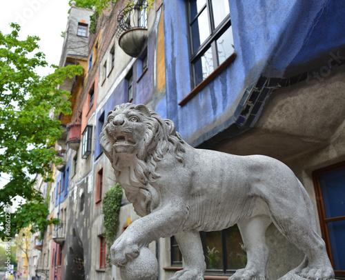 Foto op Canvas Wenen Lion satue and landmark in Vienna
