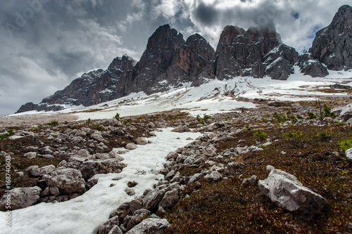 Papiers peints Marron chocolat High snowy mountains, nature landscape. Dolomites Alps