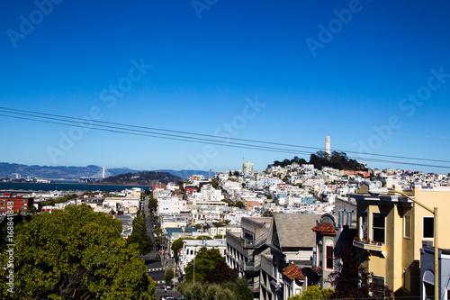 Fotobehang San Francisco Blick auf den Coit Tower und Telegraph Hill in San Francisco, Kalifornien, USA.