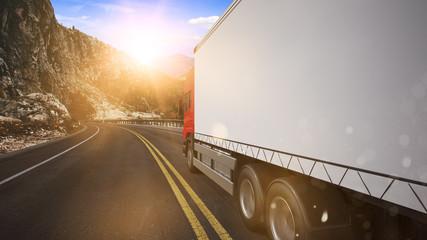 Lieferwagen LKW mit Lieferung auf Straße