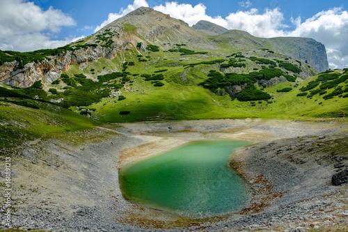 Foto op Plexiglas Bergen Bergsee auf dem Dolomiten Höhenweg 1, Alta Via 1, Südtirol, Italien