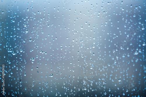 Papiers peints Automne Raindrops on the glass
