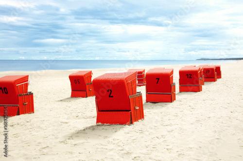 Strandkorb an der Ostsee - 168925854