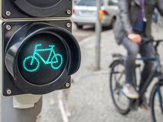 Fahrradampel mit Fahrradfahrer