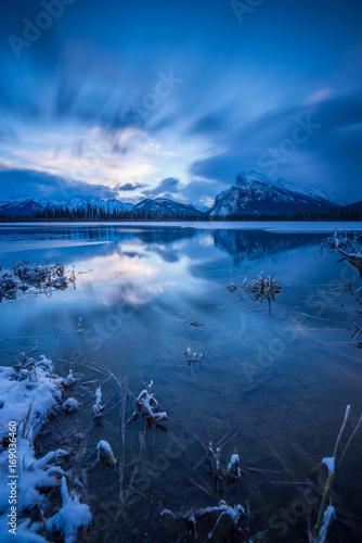 Papiers peints Bleu nuit Banff Landscape