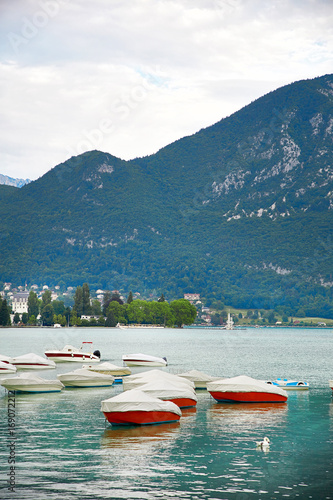 Aluminium Groen blauw Panoramic view of Lake Annecy in France