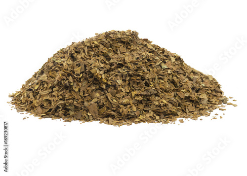 dried tobacco leaves isolated