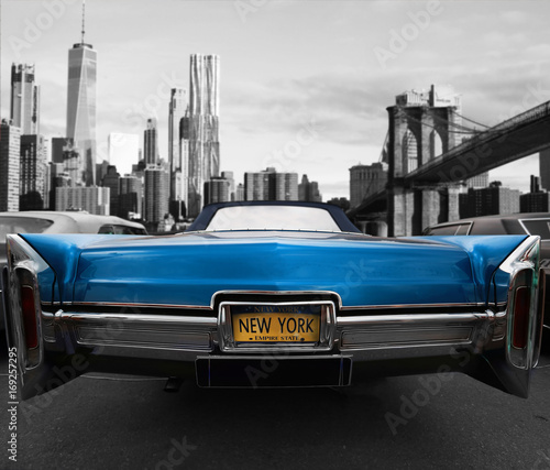 Foto Murales Retro old car red color on the road in New York