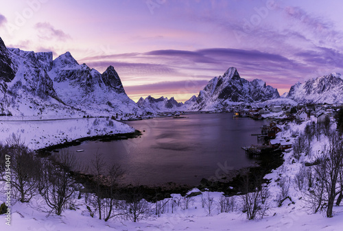 Fotobehang Aubergine sunset at Moskenesoy Lofoten, Norway
