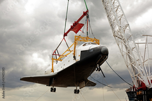 Plexiglas Nasa A space shuttle on the crane getting retired